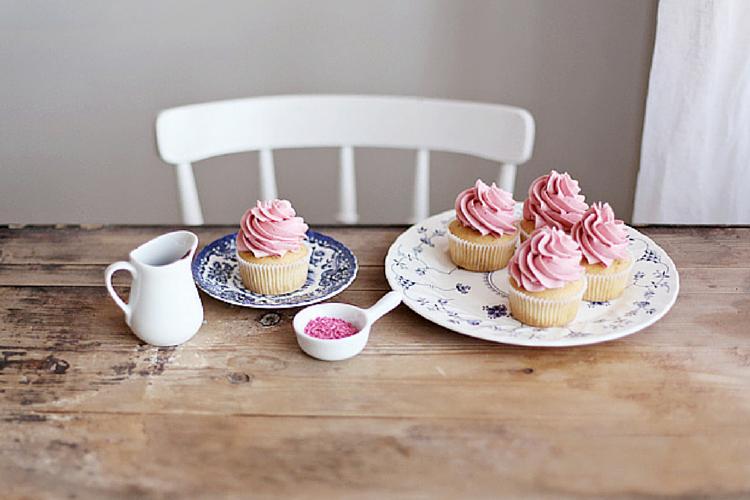 Linda Lomelino cupcake (2)